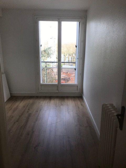 Appartement à louer 4 63m2 à Saint-Maur-des-Fossés vignette-7