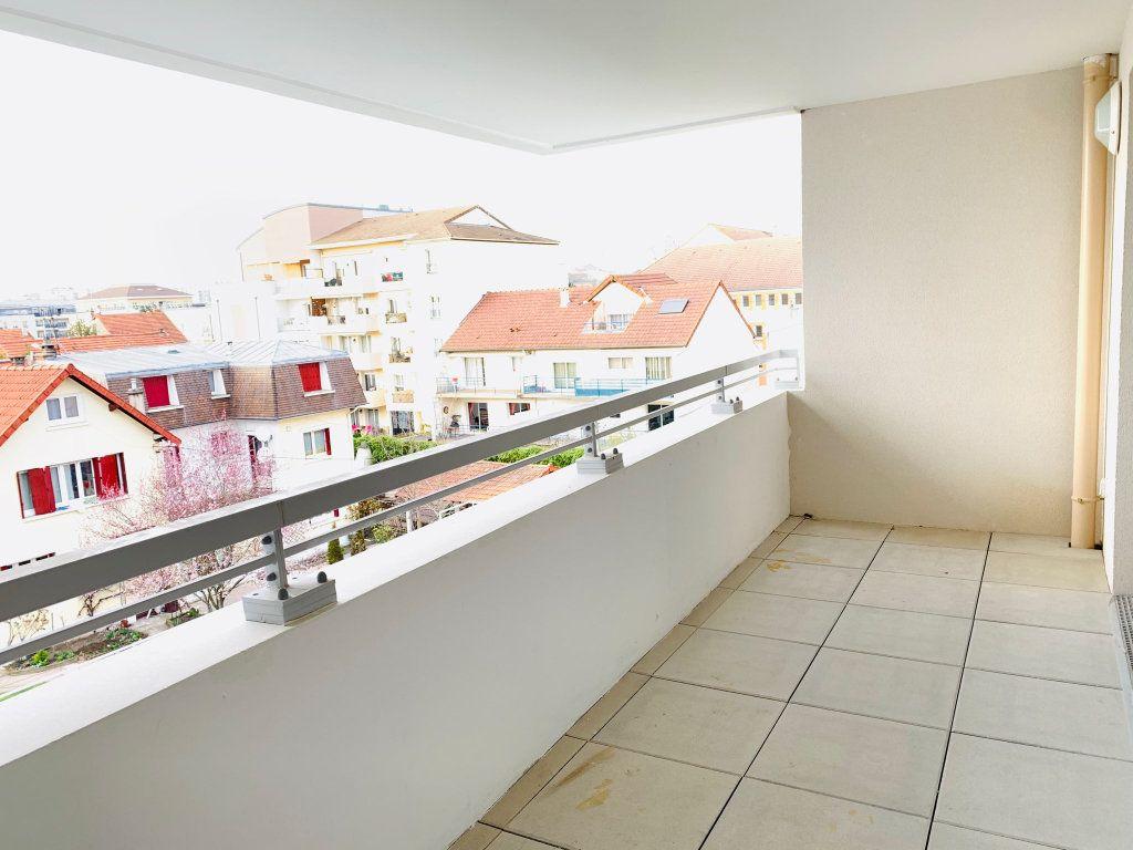 Appartement à vendre 4 80.53m2 à Chelles vignette-2