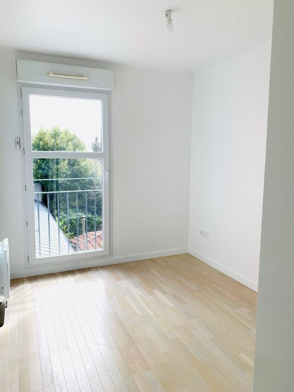 Appartement à vendre 3 69.69m2 à Noisy-le-Grand vignette-5