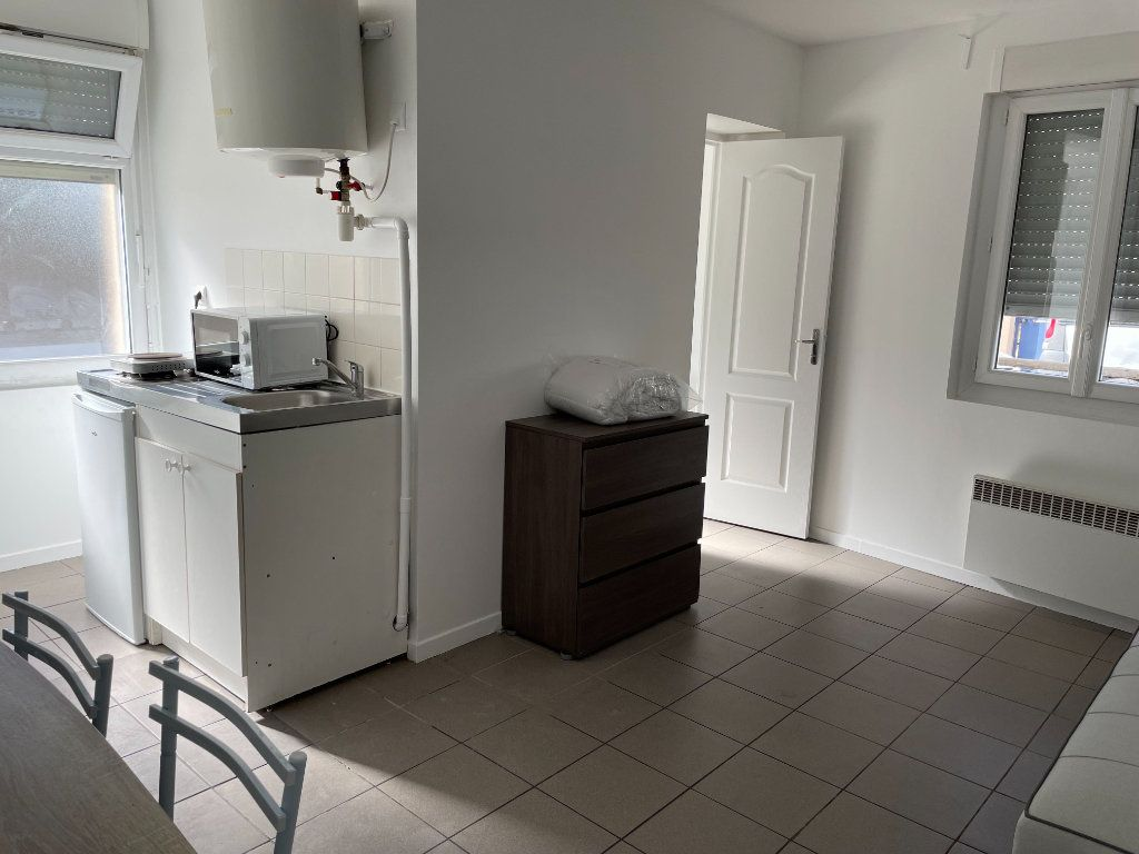 Appartement à louer 1 18.91m2 à Gagny vignette-1