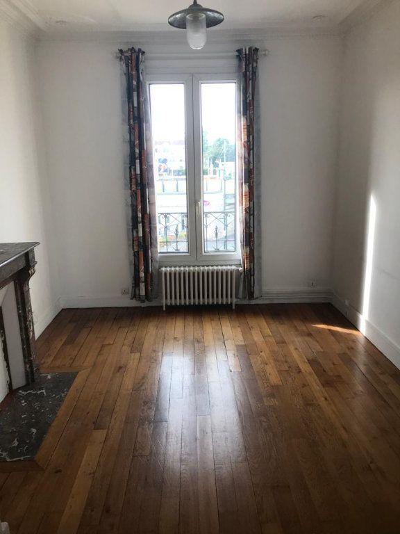 Appartement à louer 3 41.26m2 à Chelles vignette-2