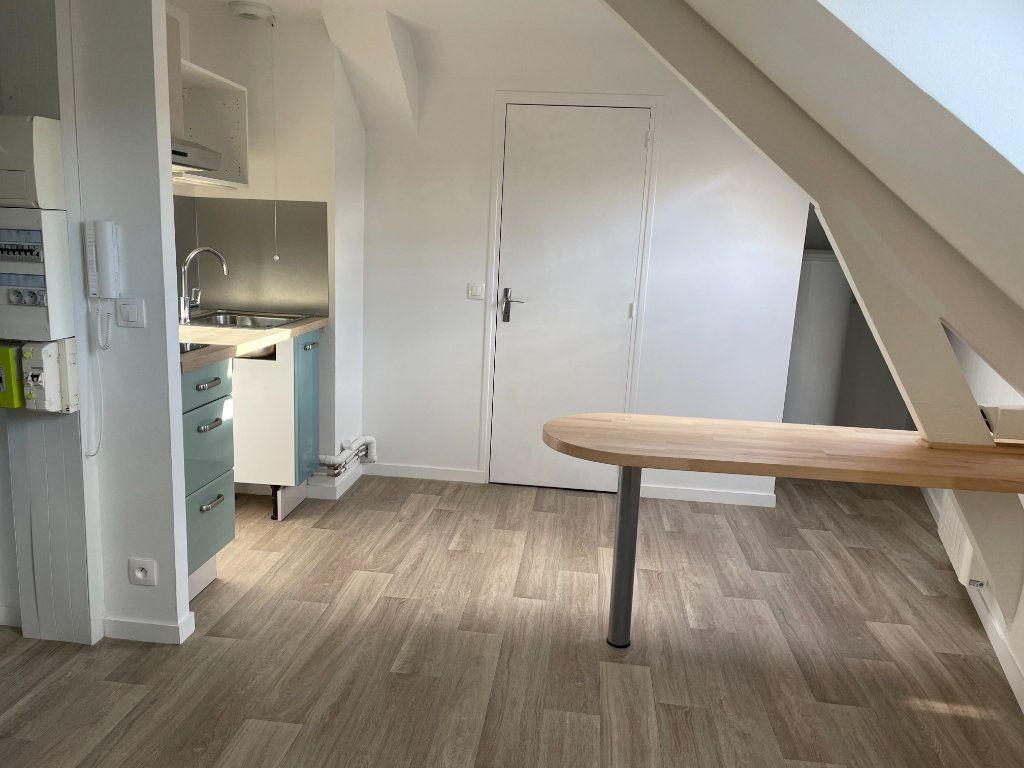 Appartement à louer 1 12m2 à Villemomble vignette-1