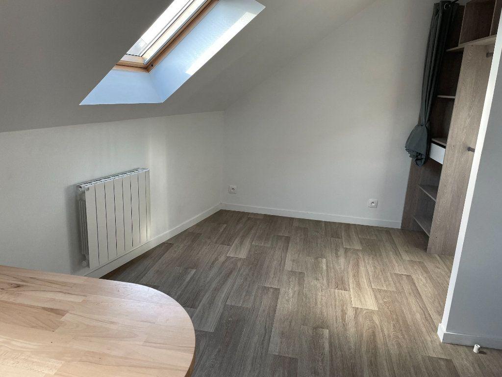 Appartement à louer 1 12m2 à Villemomble vignette-3