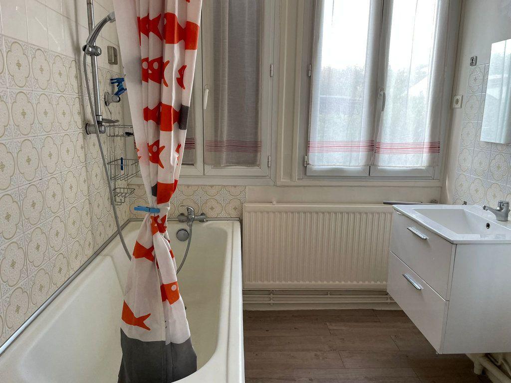 Maison à louer 2 27m2 à Gagny vignette-4