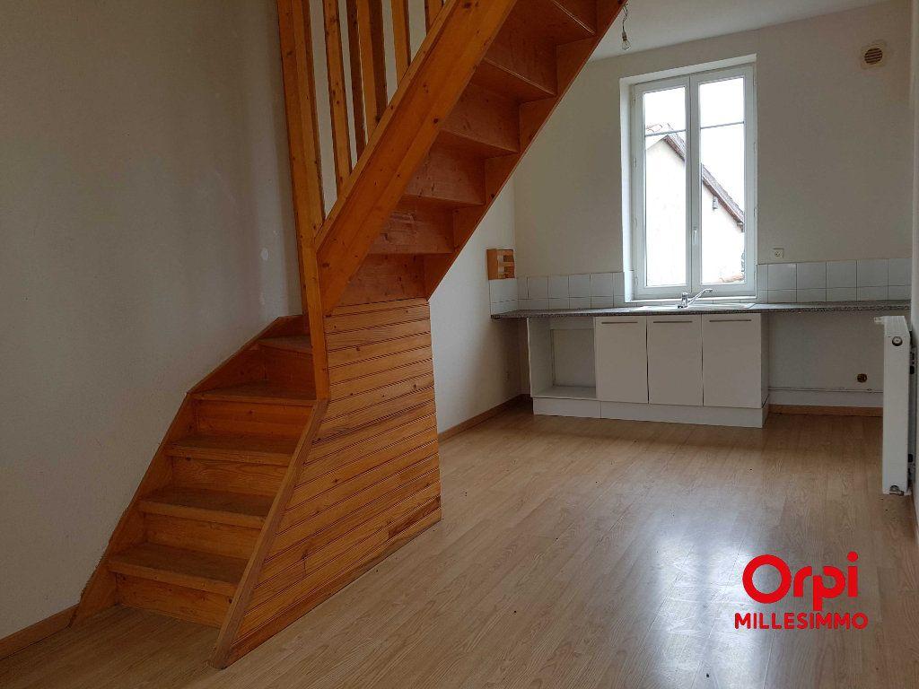 Appartement à louer 3 52.5m2 à Chazelles-sur-Lyon vignette-1