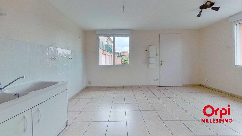 Appartement à louer 2 35m2 à Les Halles vignette-1