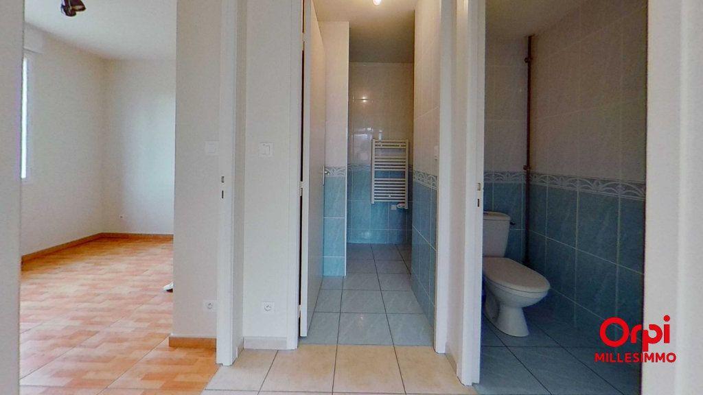 Appartement à louer 2 35m2 à Les Halles vignette-3