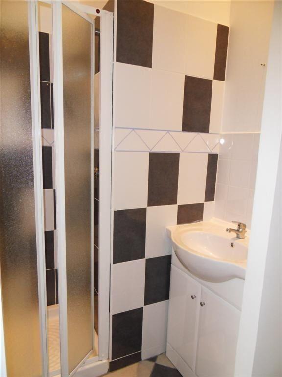 Appartement à louer 1 34m2 à Saint-Étienne vignette-3