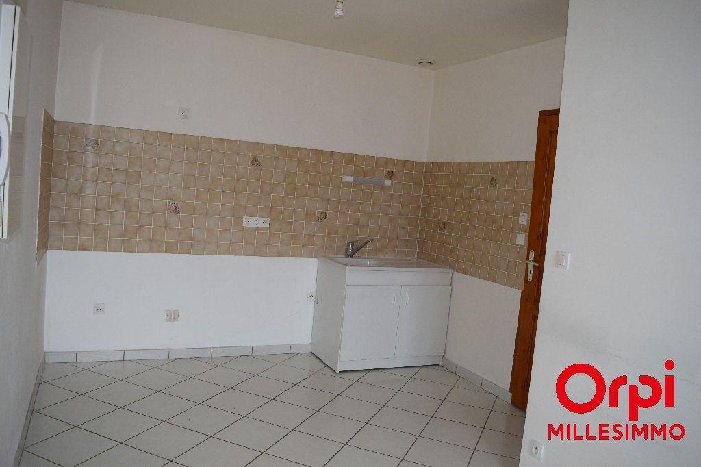Appartement à louer 2 33.22m2 à Saint-Laurent-de-Chamousset vignette-4