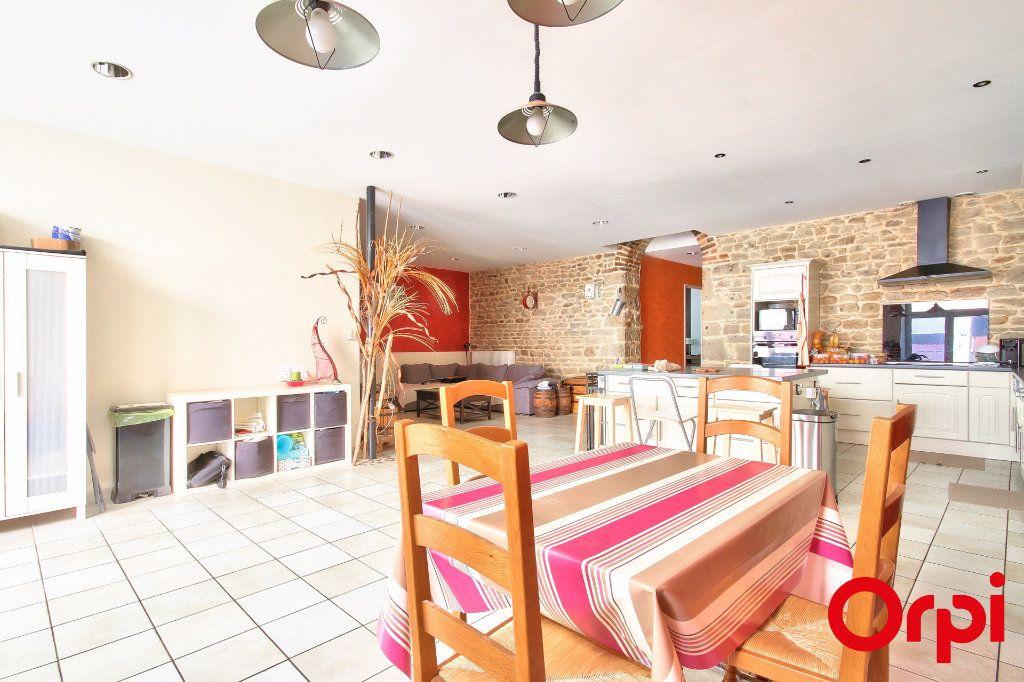 Appartement à vendre 5 165m2 à Rive-de-Gier vignette-2