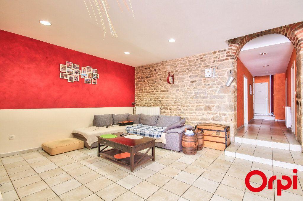Appartement à vendre 5 165m2 à Rive-de-Gier vignette-4