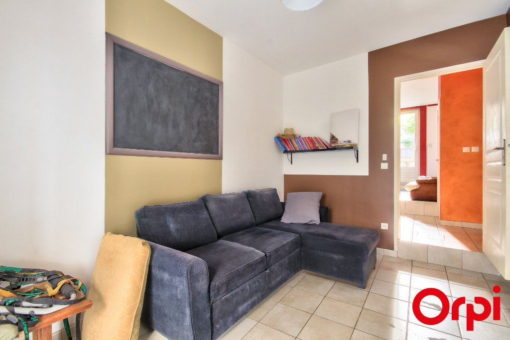 Appartement à vendre 5 165m2 à Rive-de-Gier vignette-7