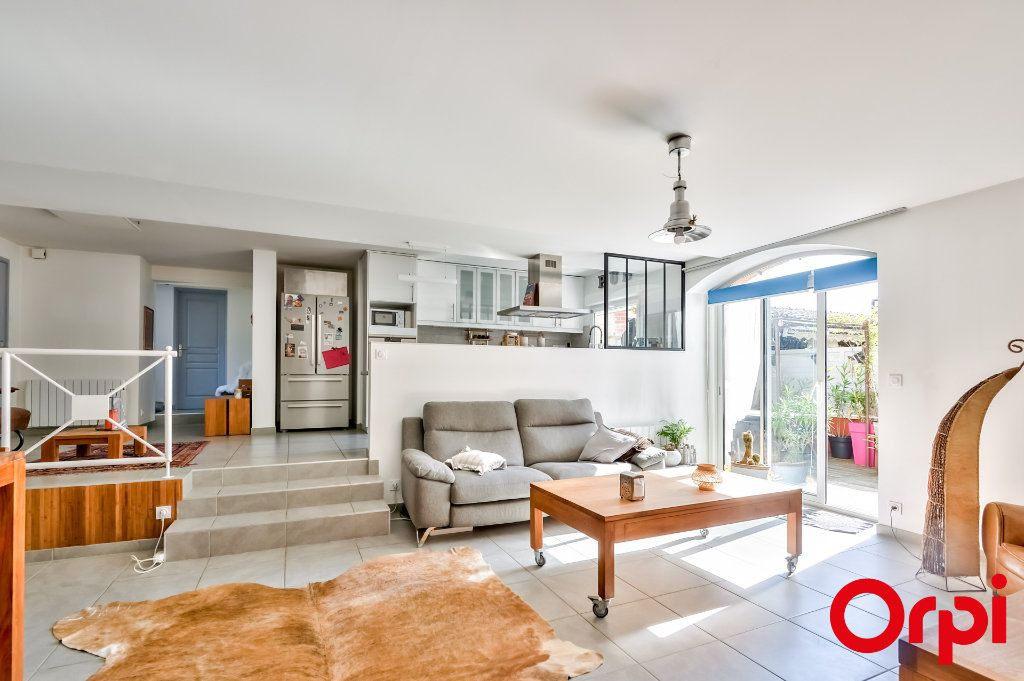 Maison à vendre 4 106m2 à Saint-Laurent-d'Agny vignette-3