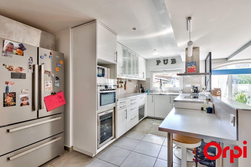 Maison à vendre 4 106m2 à Saint-Laurent-d'Agny vignette-4