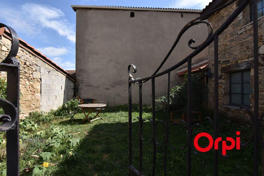 Maison à vendre 25 360m2 à Saint-Laurent-d'Agny vignette-3