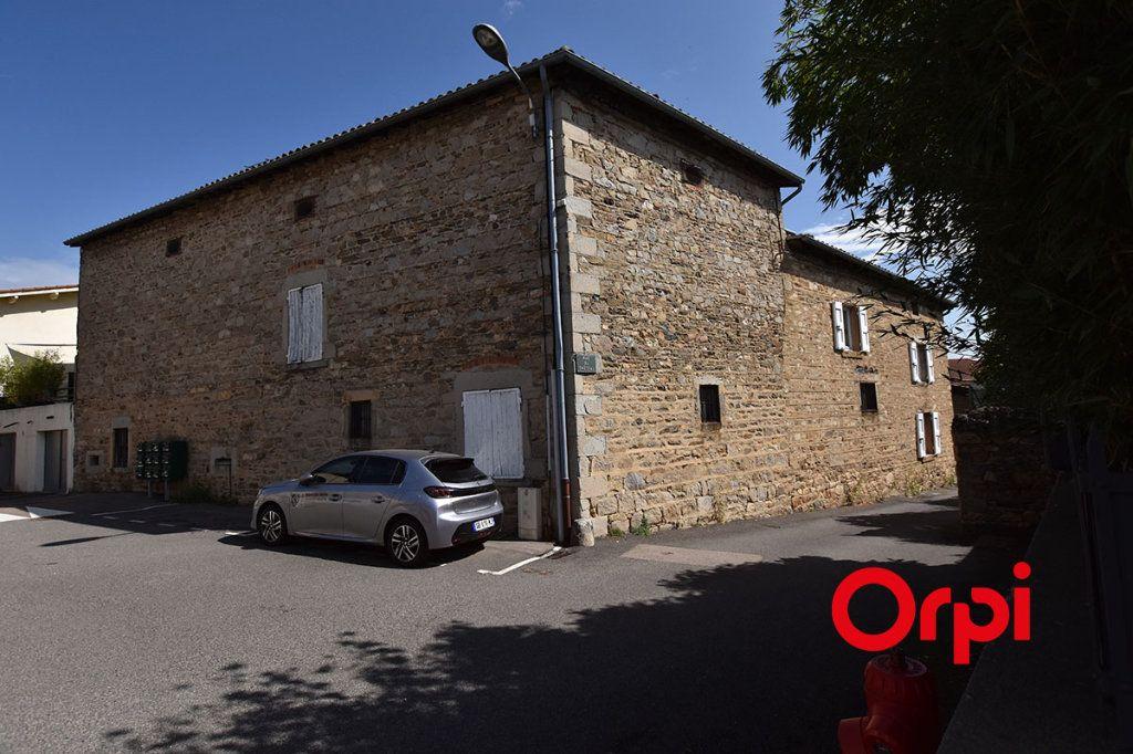Maison à vendre 25 360m2 à Saint-Laurent-d'Agny vignette-5