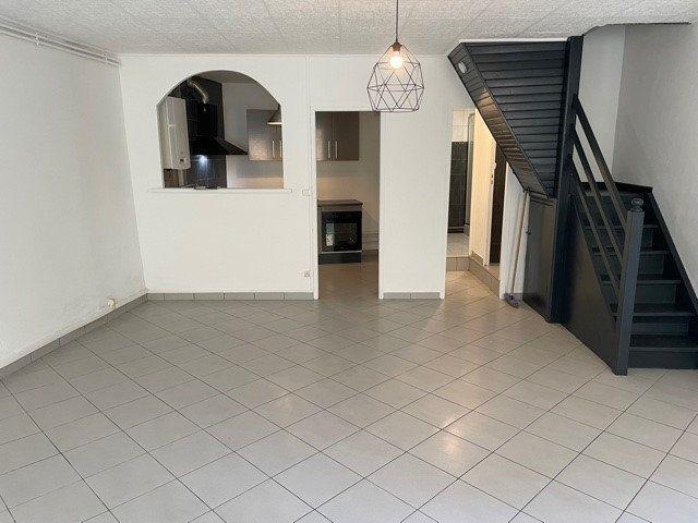 Appartement à louer 4 95m2 à Rive-de-Gier vignette-1