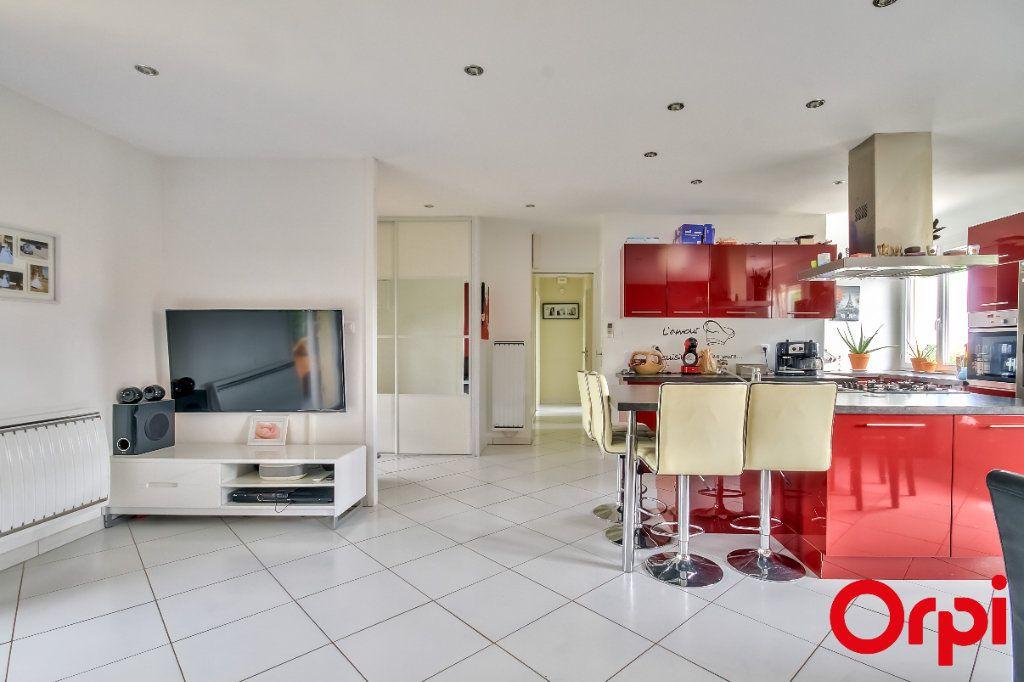 Maison à vendre 4 106m2 à Saint-Maurice-sur-Dargoire vignette-5