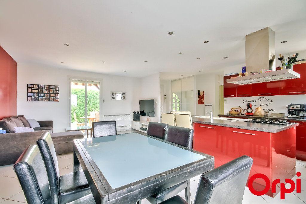 Maison à vendre 4 106m2 à Saint-Maurice-sur-Dargoire vignette-6