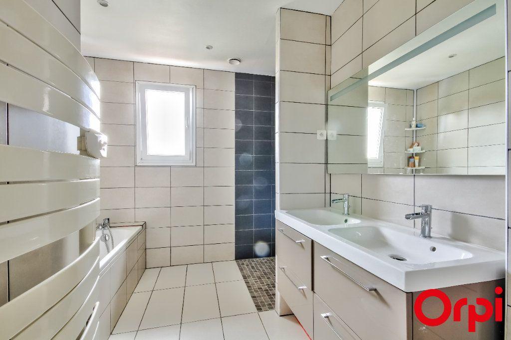 Maison à vendre 4 106m2 à Saint-Maurice-sur-Dargoire vignette-8
