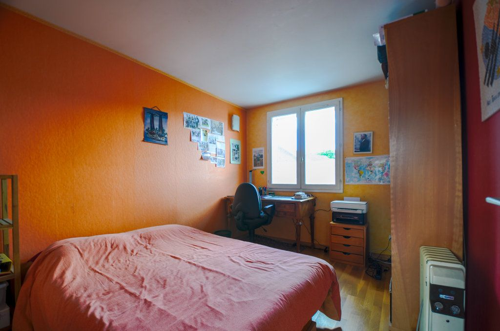 Maison à vendre 7 102m2 à Saint-Ouen-l'Aumône vignette-13