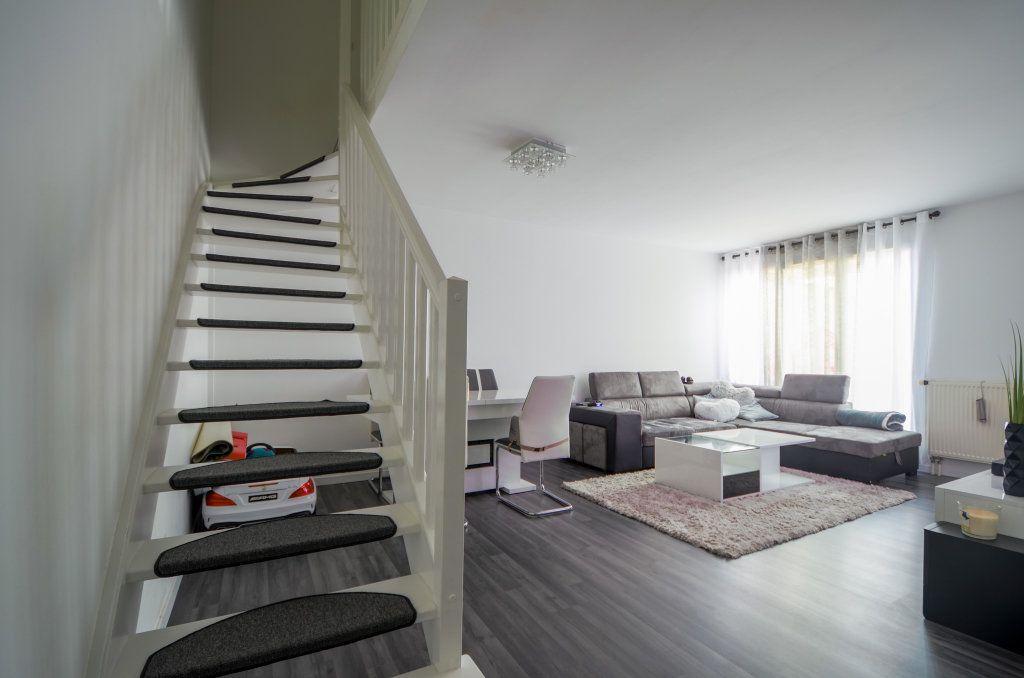 Appartement à vendre 3 67.41m2 à Saint-Ouen-l'Aumône vignette-3