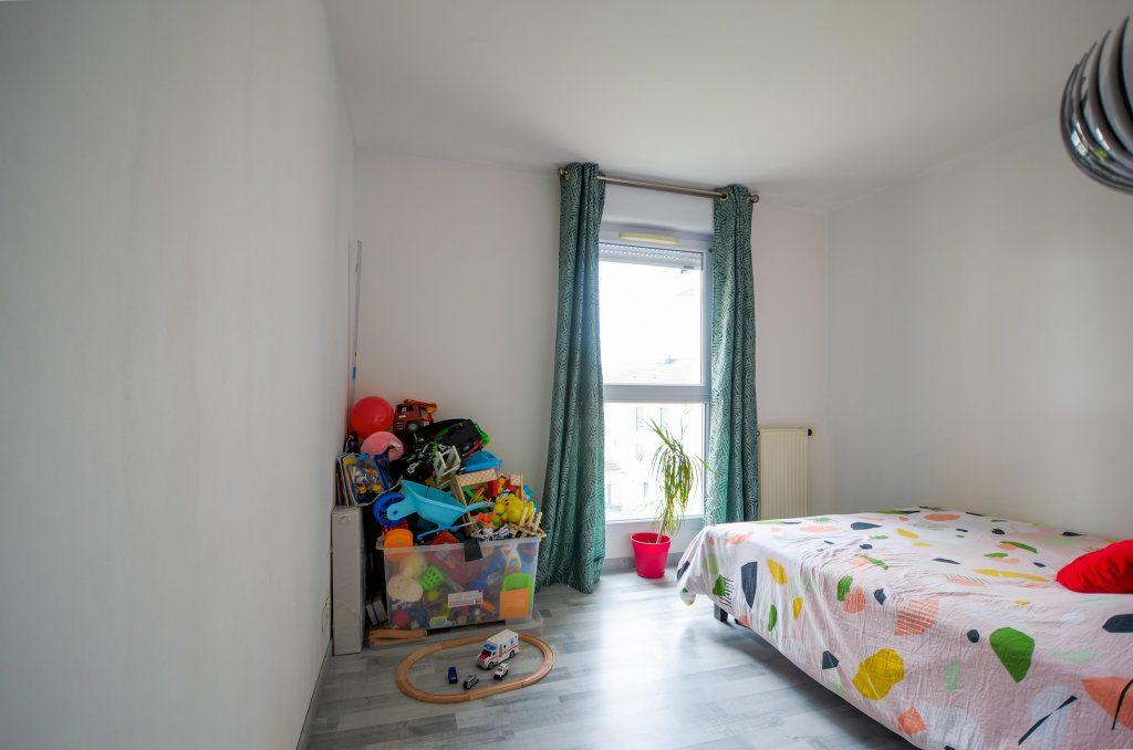 Appartement à vendre 3 67.41m2 à Saint-Ouen-l'Aumône vignette-5