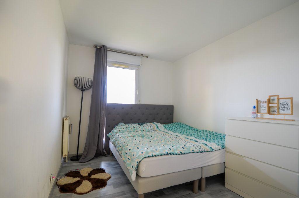 Appartement à vendre 3 67.41m2 à Saint-Ouen-l'Aumône vignette-6