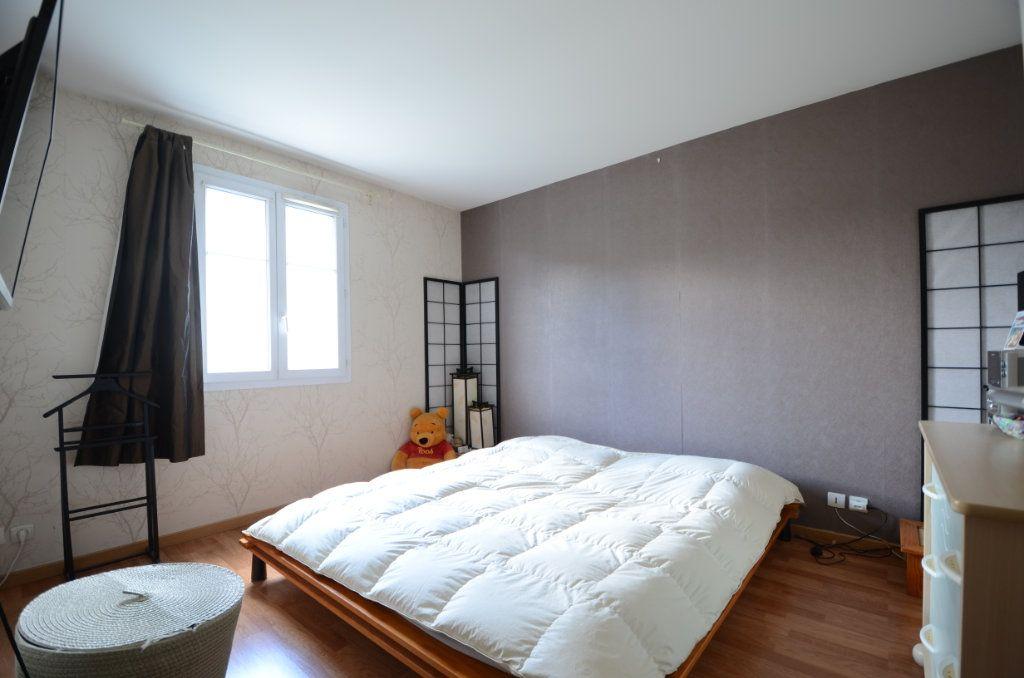 Appartement à vendre 3 65.8m2 à Saint-Ouen-l'Aumône vignette-6