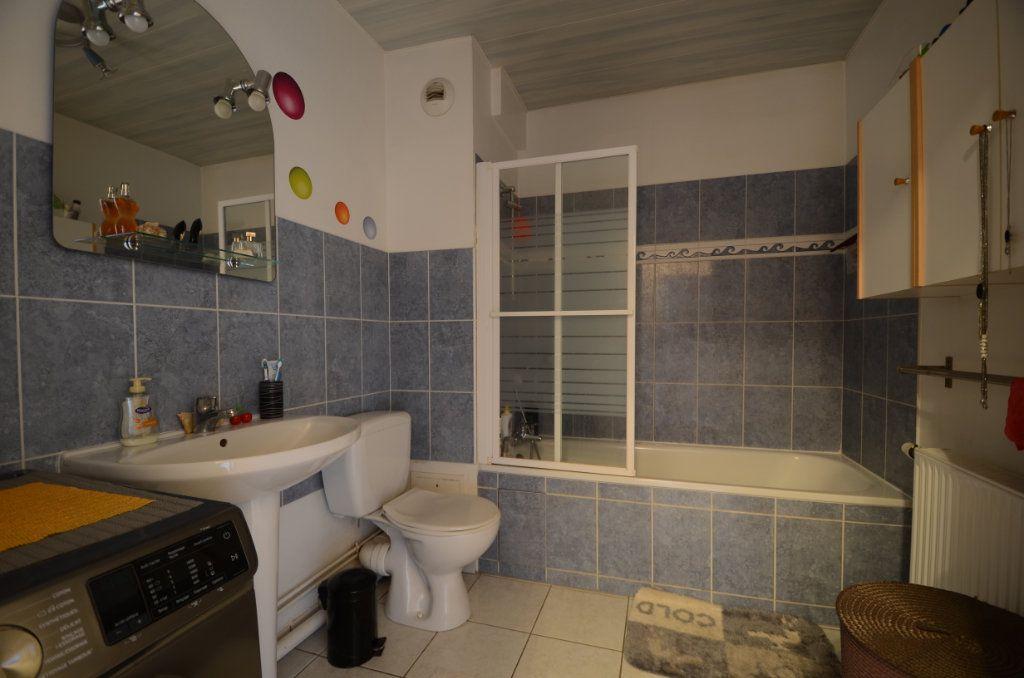 Appartement à vendre 3 65.8m2 à Saint-Ouen-l'Aumône vignette-7