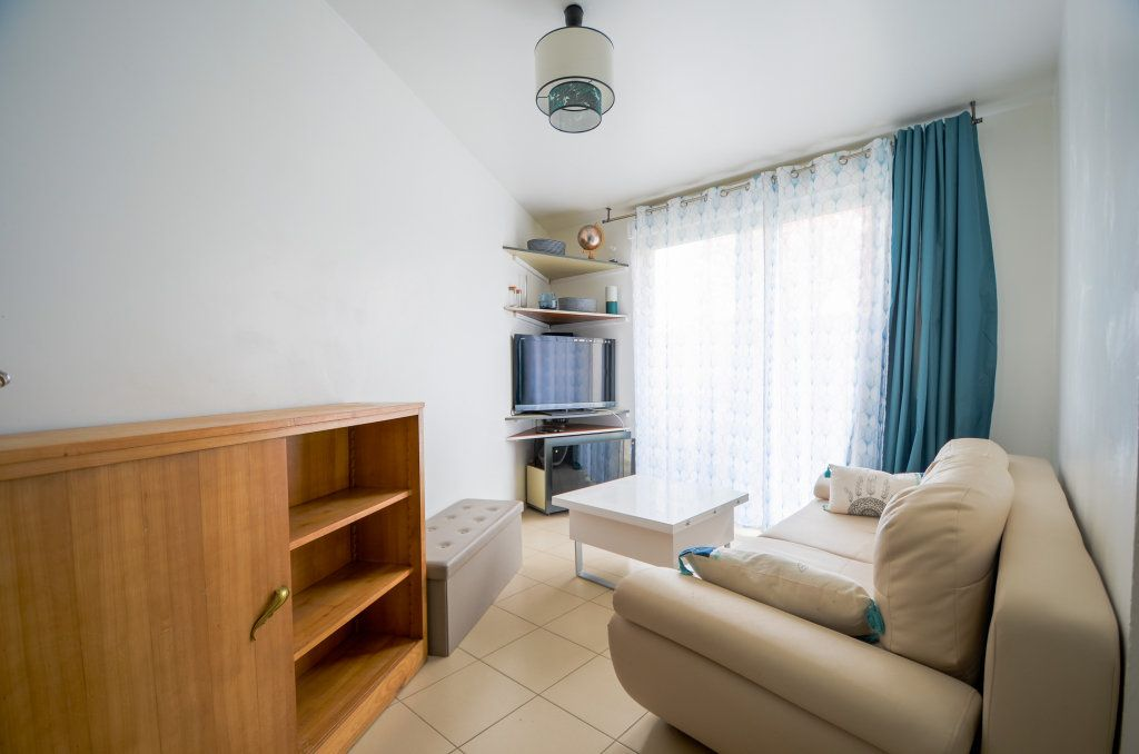 Appartement à vendre 2 34.15m2 à Saint-Ouen-l'Aumône vignette-2