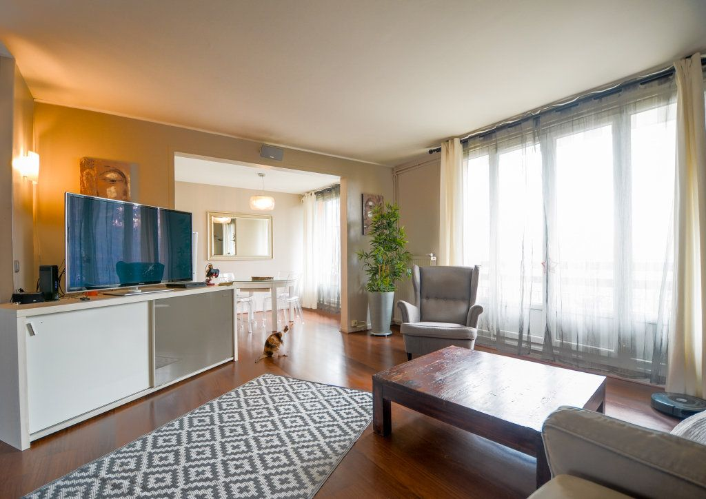 Appartement à vendre 5 93.22m2 à Saint-Ouen-l'Aumône vignette-1