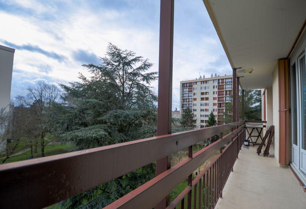 Appartement à vendre 5 93.22m2 à Saint-Ouen-l'Aumône vignette-3