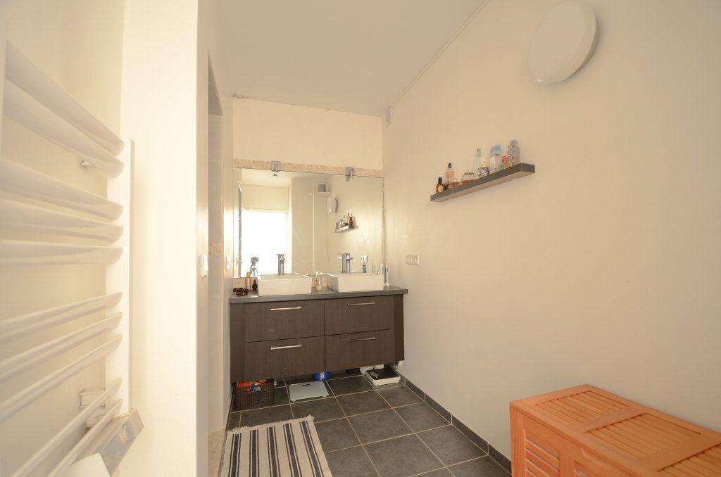 Appartement à vendre 5 93.22m2 à Saint-Ouen-l'Aumône vignette-5