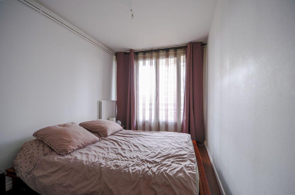 Appartement à vendre 5 93.22m2 à Saint-Ouen-l'Aumône vignette-6