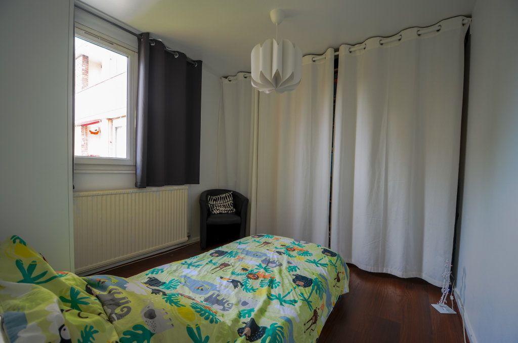 Appartement à vendre 5 93.22m2 à Saint-Ouen-l'Aumône vignette-7