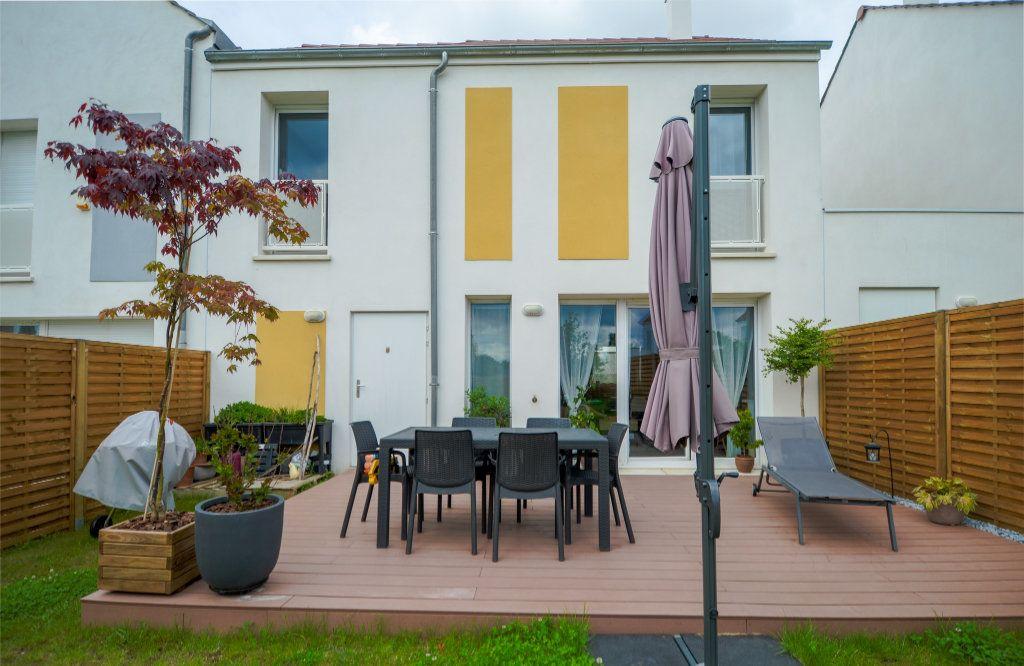 Maison à vendre 4 73.85m2 à Saint-Ouen-l'Aumône vignette-1