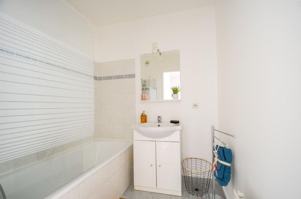 Appartement à louer 3 59.2m2 à Saint-Ouen-l'Aumône vignette-6