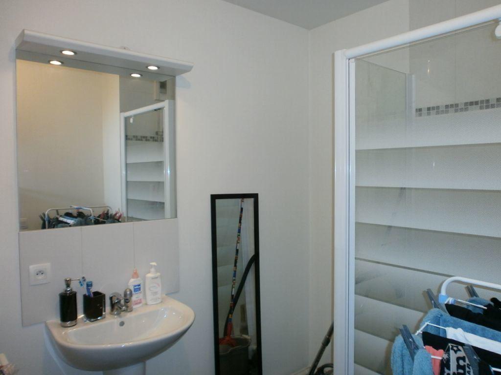 Appartement à louer 2 45.76m2 à Combs-la-Ville vignette-5