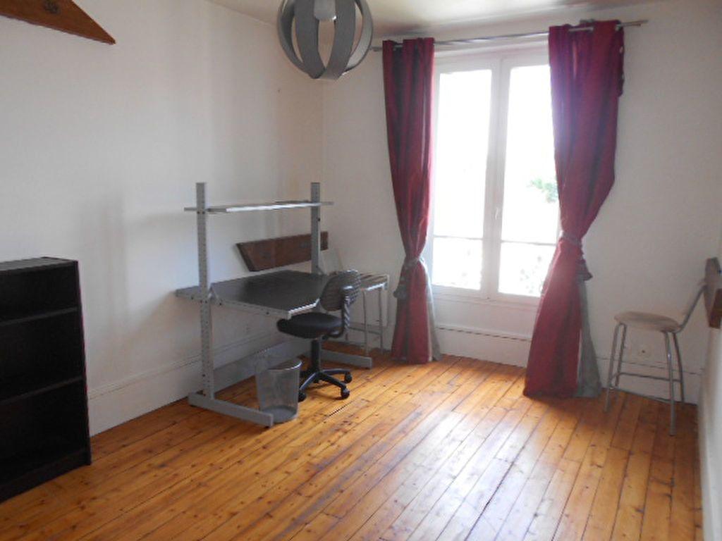 Appartement à louer 4 62m2 à Brie-Comte-Robert vignette-5