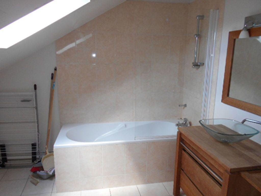Appartement à louer 4 62m2 à Brie-Comte-Robert vignette-6