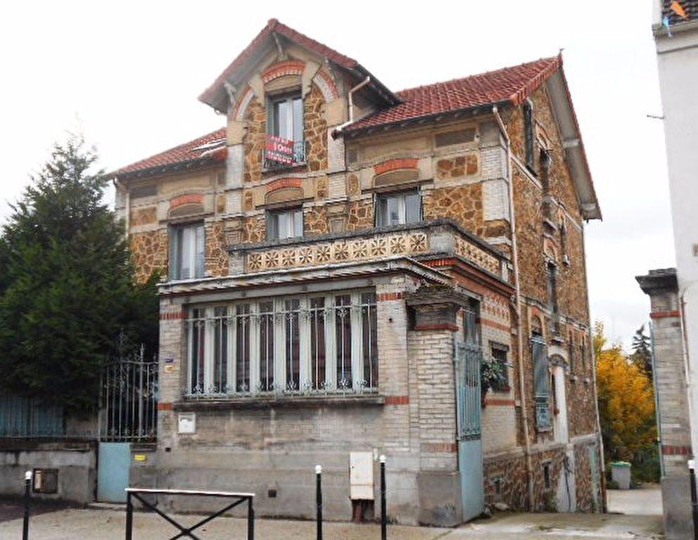 Appartement à louer 4 62m2 à Brie-Comte-Robert vignette-7