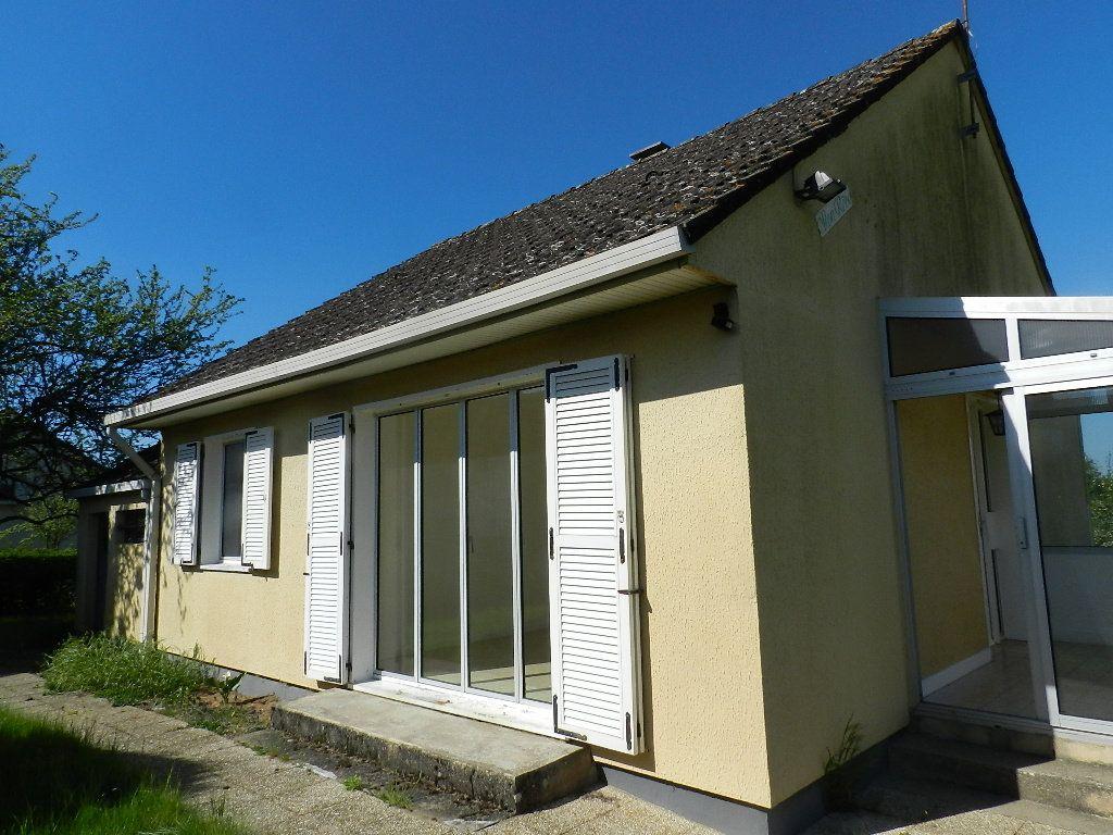 Maison à louer 3 64m2 à Saint-Martin-des-Champs vignette-2
