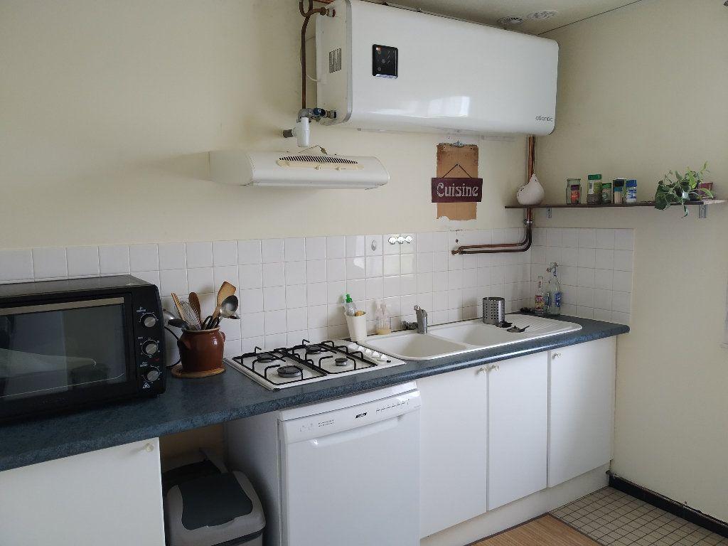 Maison à louer 3 64m2 à Saint-Martin-des-Champs vignette-4