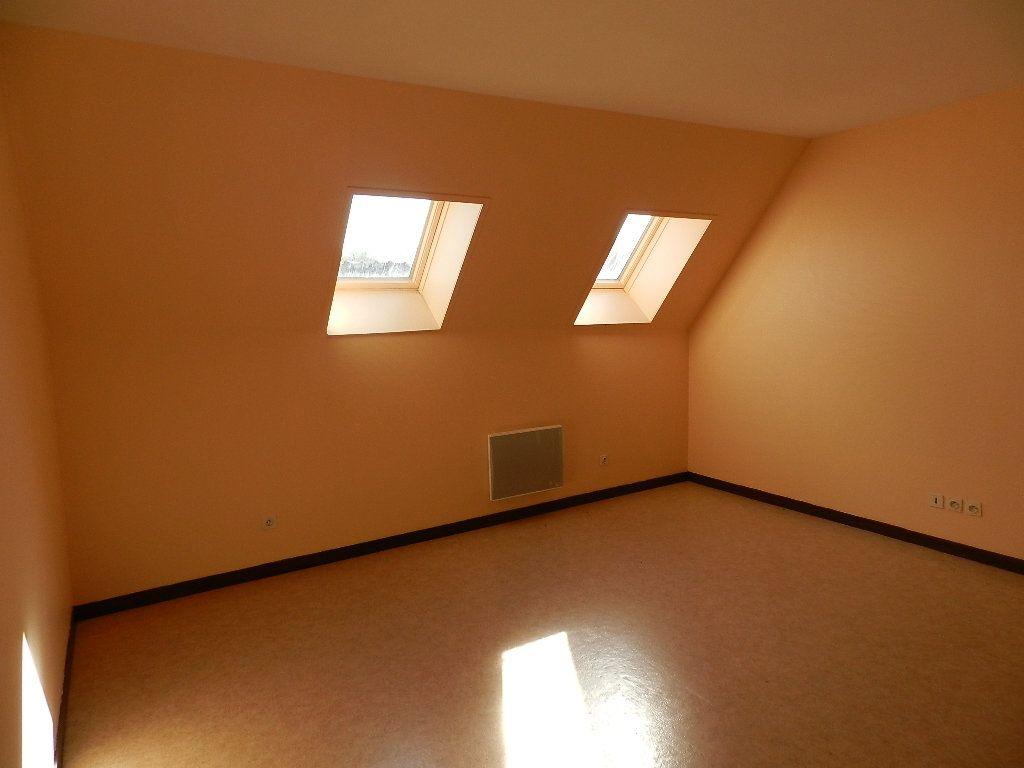 Appartement à louer 1 24.39m2 à Bléneau vignette-1