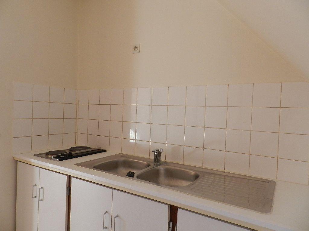 Appartement à louer 1 24.39m2 à Bléneau vignette-3