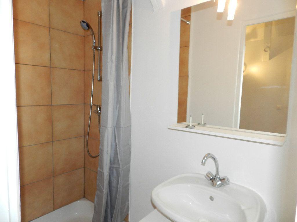 Appartement à louer 1 19.46m2 à Grisy-Suisnes vignette-5