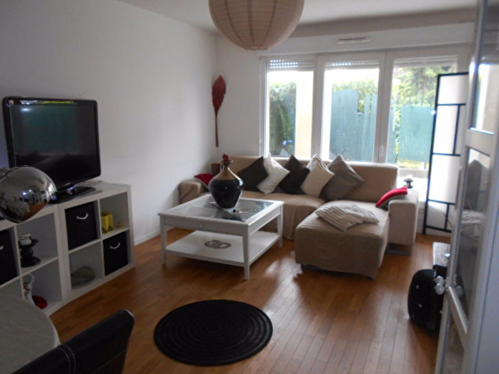 Appartement à louer 2 40.31m2 à Combs-la-Ville vignette-2