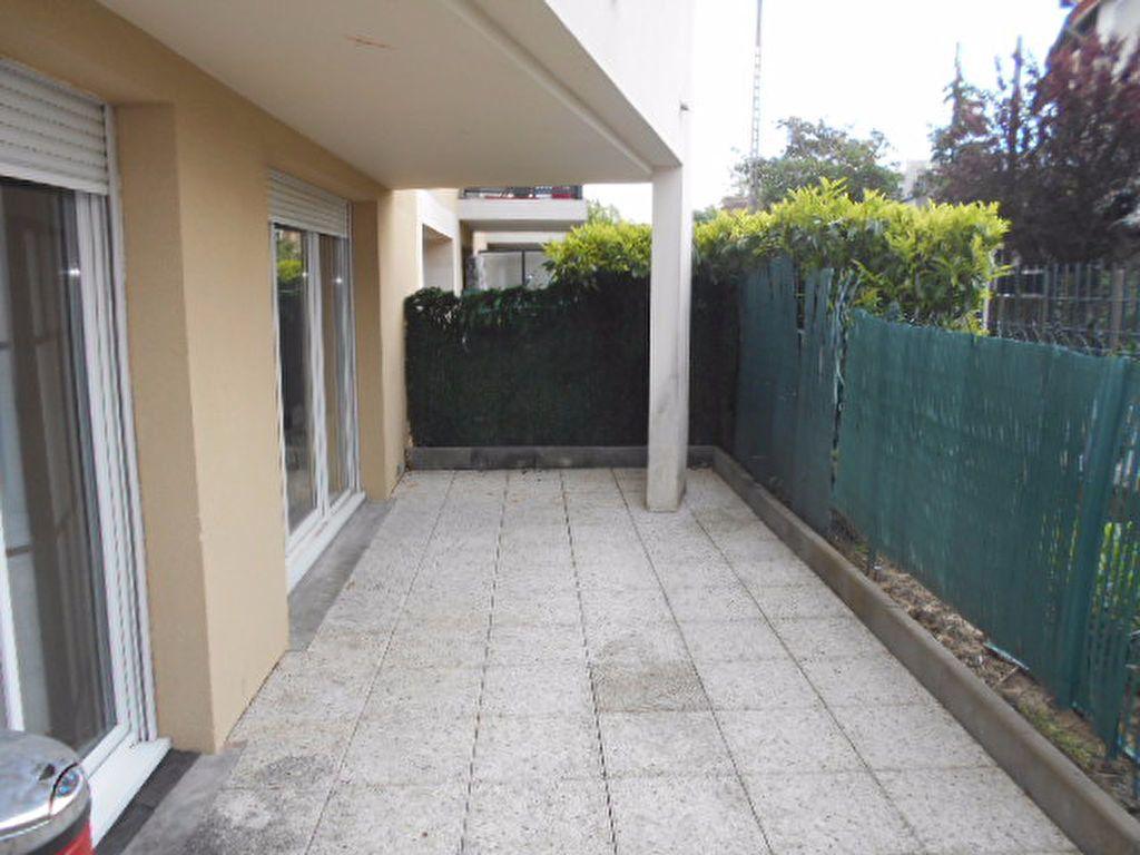 Appartement à louer 2 40.31m2 à Combs-la-Ville vignette-3