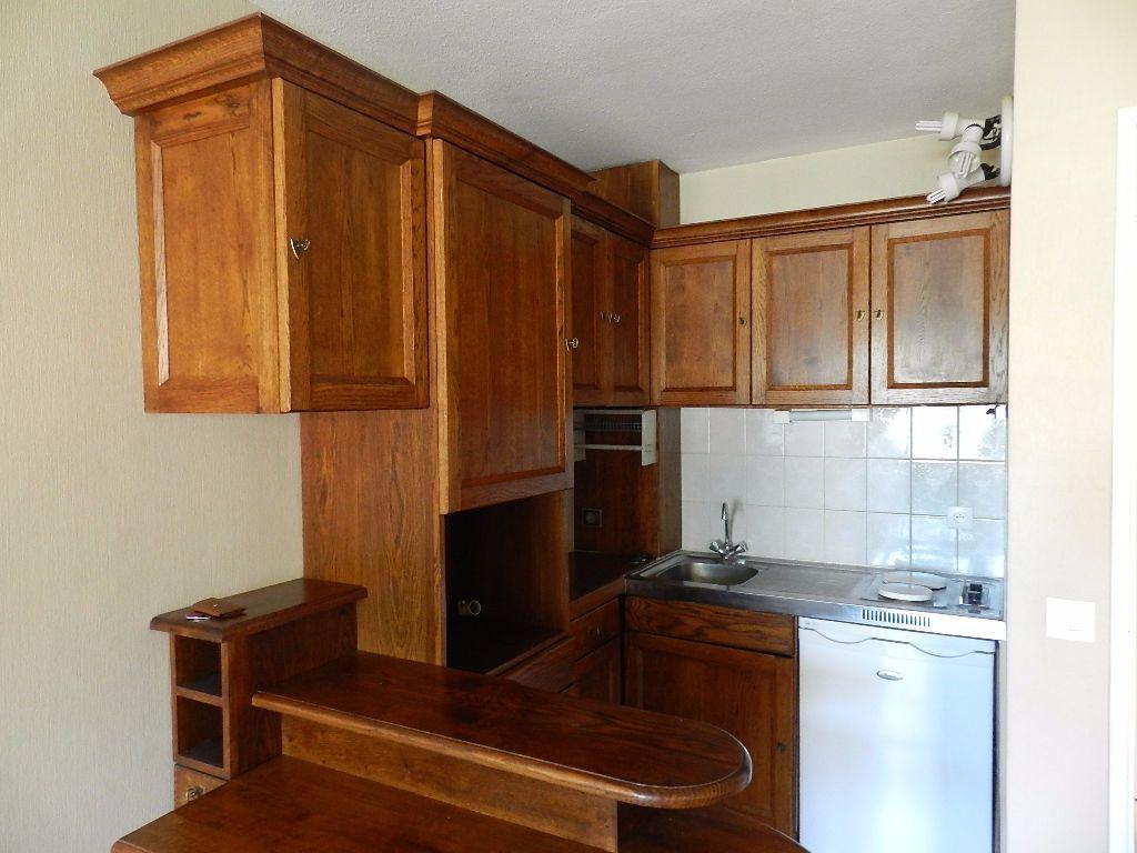Appartement à louer 1 32.1m2 à Brie-Comte-Robert vignette-2